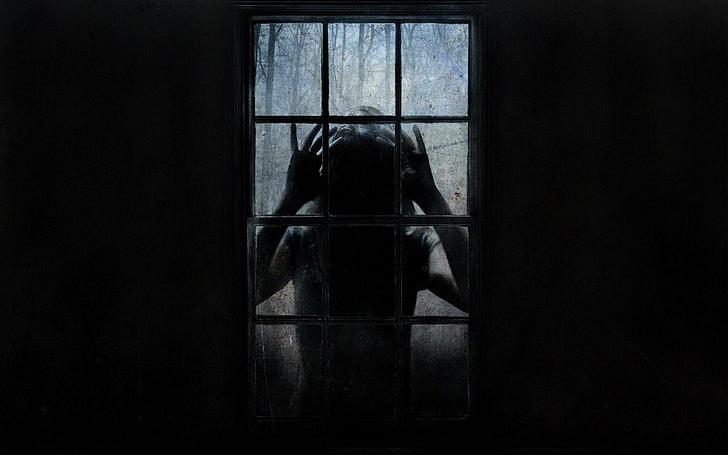 Cô bạn gái yêu xa của tôi muốn facetime và giờ tôi nghe thấy âm thanh thứ gì đó đang gõ vào cửa sổ